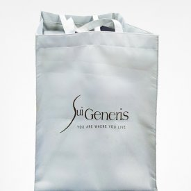Custom Packaging Sui Generis 01