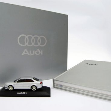 Custom Packaging : Audi